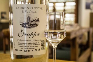 White Grappa Ottoz