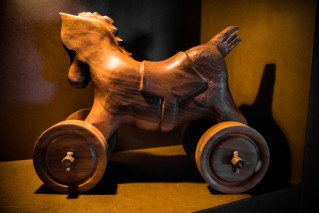 Horse Tatà with different wheels- Sculpture