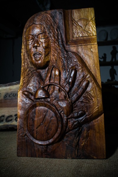 Woman with alarm clock- Sculpture