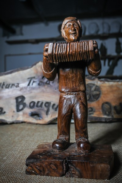 Accordion player - Sculpture
